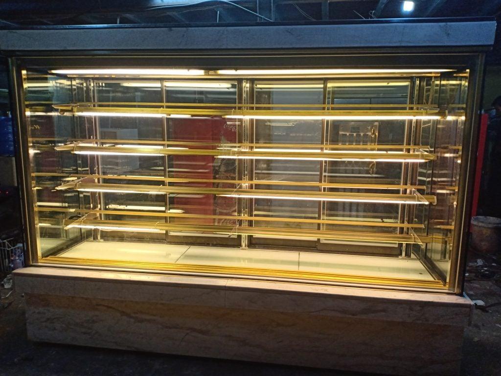 Tủ bánh kem cũ